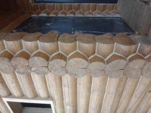Герметизация деревянного дома в колыванском районе
